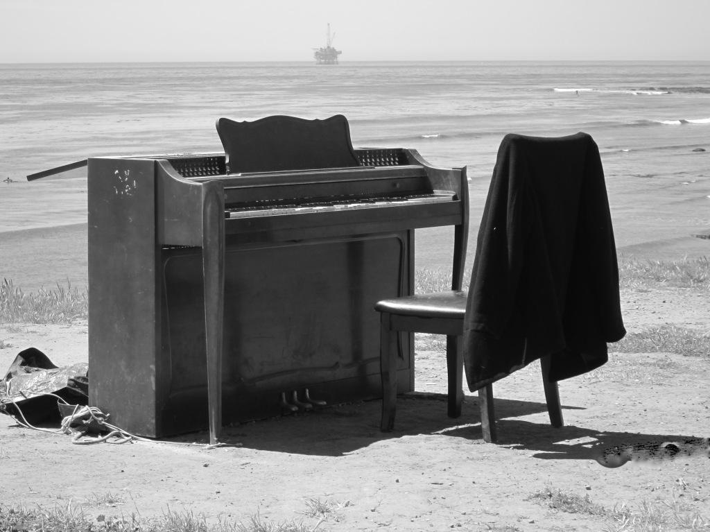 Piano on thePacific
